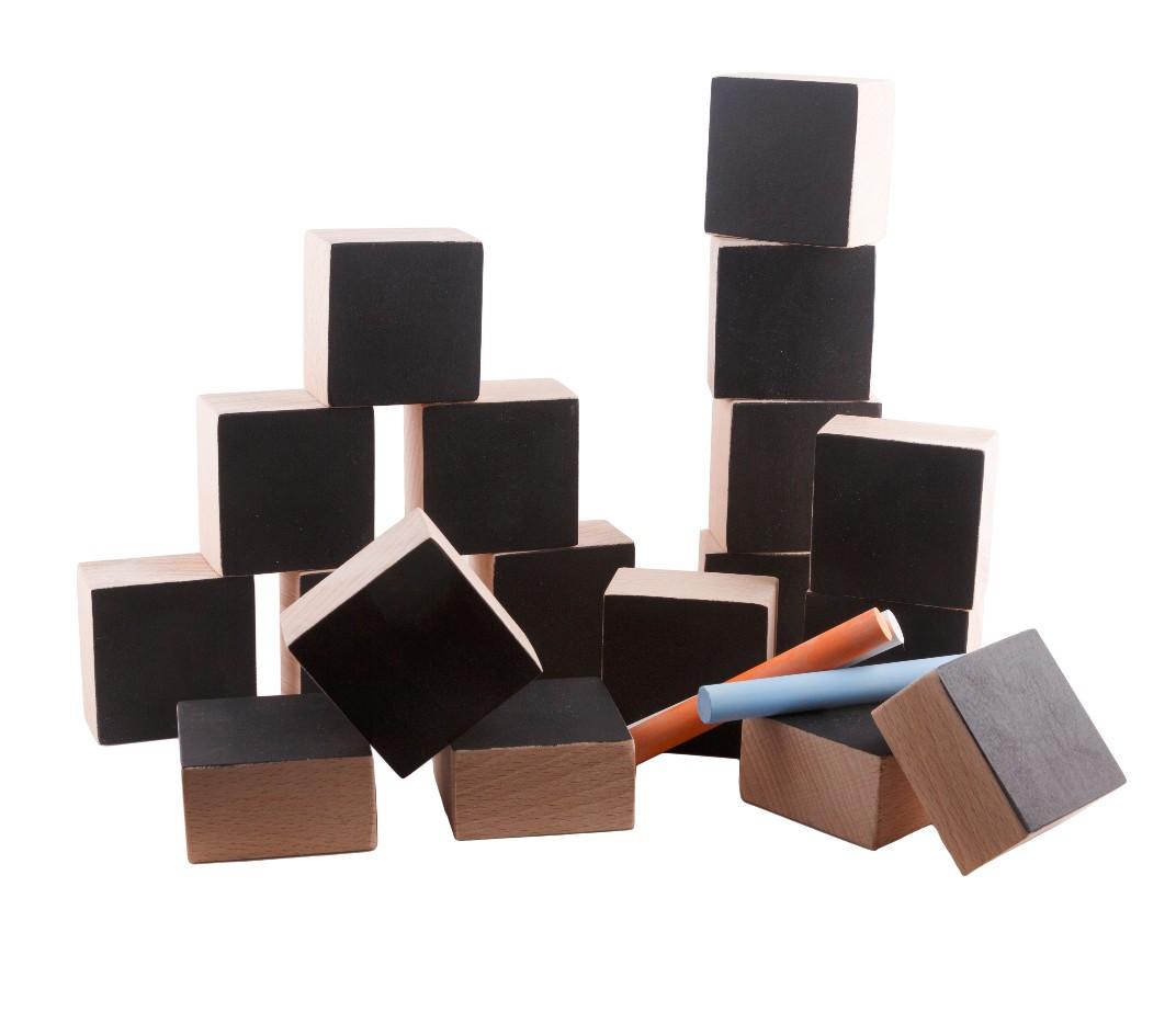 Cube de construction avec craies