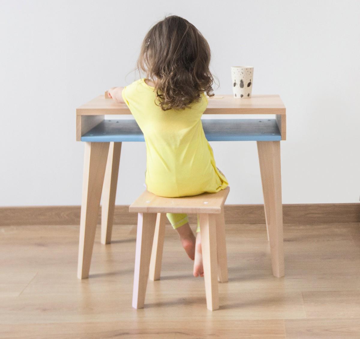 Bureau enfant en bois très design