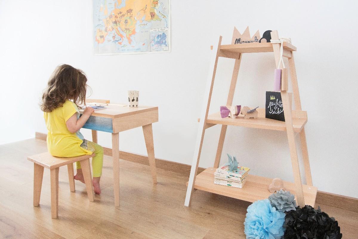 Bureau en bois pour chambre d'enfant