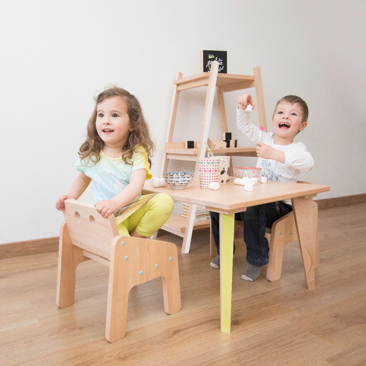 Belle chambre d'enfants mobilier en bois