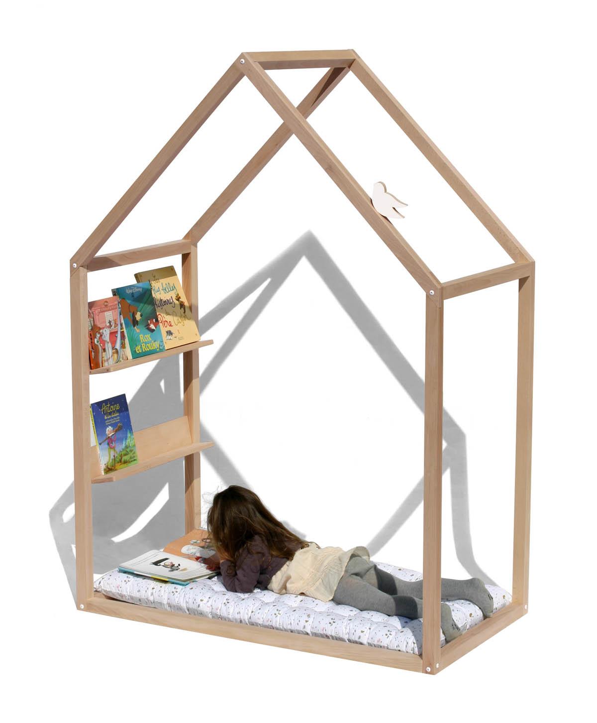 cabane bois bibliotheque enfant